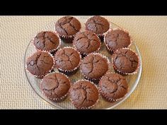 Briose cu nuca si ciocolata / Muffins with nuts and chocolate - YouTube