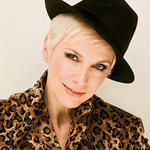 Annie Lennox ...Sweet dreams are made when I can give back....
