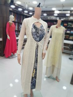 A person sought for: shrugs for evening wear! Finthousands of handmade, old, and distinct products. Pakistani Dresses, Indian Dresses, Indian Outfits, Anarkali Dress, Indian Attire, Indian Wear, Kurta Designs, Blouse Designs, Stylish Dresses
