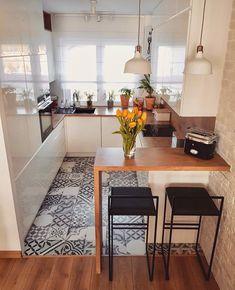 Home Decor - Beautiful Decoration Design Ideas For Small Kitchen Apartment Kitchen, Home Decor Kitchen, Interior Design Kitchen, Home Kitchens, Kitchen Ideas, Tiny Kitchens, Room Interior, Tiny House Storage, Cute Kitchen