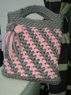 Bolso de trapillo creado por Mila Luque Redondo