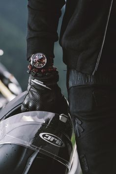 captvinvanity | Bomberg BOLT68 Chronograph Fonte:watch-anish.com