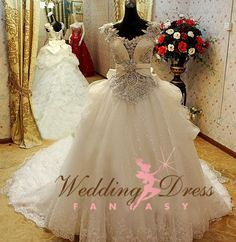 2015 Vintage Ball Gown Wedding Dresses Cap Sleeves Sweetheart Chapel Train Bling Sequins Beading Swarovski Wedding Gowns Lace-up Plus Size - Gypsy Wedding Gowns, My Big Fat Gypsy Wedding, Gipsy Wedding, Crystal Wedding Dresses, Couture Wedding Gowns, Bridal Dresses, Dream Wedding, Flower Girl Dresses, Gown Wedding