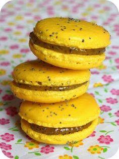 Macarons citron-pavot recette sur http://www.chefnini.com/macarons-ganache-citron-et-pavot/