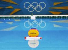 A J-11, la piscine de water-polo du parc olympique de Stratford est prête à accueillir les Jeux Olympiques de Londres 2012.