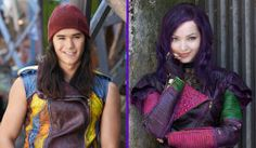 The cast of Descendants is so very talented: They sing, they dance, and they look marvelous in edgy leather ensembles. We had a chance to hang out with Dove Cameron, Sofia Carson, Cameron Boyce, Booboo Stewart, and Director Kenny Ortega at the Descendants Fan Event at Downtown Disney at Disneyland, which was the perfect time to test their Disney Villains trivia talents.