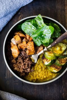 Ethiopian Teff Bowl with Berbere Roasted Veggies - Krista Yost - African Food Supper Recipes, Entree Recipes, Veggie Recipes, Easy Dinner Recipes, Vegetarian Recipes, Healthy Recipes, Veggie Meals, Fast Recipes, Vegetarian Cooking
