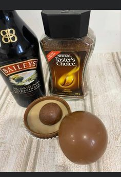 Hot Chocolate Gifts, Chocolate Covered Treats, Christmas Hot Chocolate, Chocolate Spoons, Chocolate Bomb, Hot Chocolate Bars, Hot Chocolate Recipes, Chocolate Coffee, Cocoa Tea
