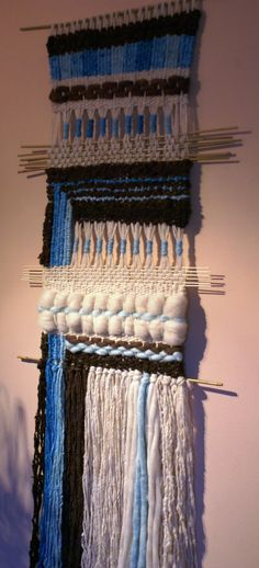 Weaving Wall Hanging, Weaving Art, Tapestry Weaving, Loom Weaving, Hand Weaving, Twig Art, Types Of Weaving, Contemporary Carpet, Wall Candy