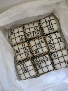 Sudoku cookies or cupcakes. I'm a sudoku lover - love the app! Galletas Cookies, Cupcake Cookies, Cupcake Heaven, Le Chef, Yummy Cupcakes, Love Cake, Mini Cakes, Let Them Eat Cake, Amazing Cakes