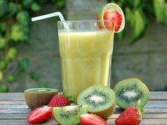 Strawberry-Kiwi Smoothie - 1 1/4 cups cold apple juice 1 ripe banana, sliced 1 kiwifruit, sliced 5 frozen strawberries 1 1/2 teaspoons honey