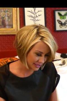 Chelsea Kane bob haircut by HOLLACHE