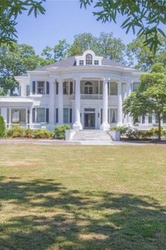 Southern Mansions, Southern Plantations, Southern Homes, Southern Style, Big Houses, White Houses, Dream Houses, Greek Revival Architecture, Dream Mansion