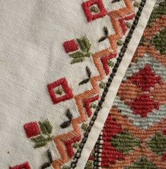 Broderi til slengeerme Blackwork Embroidery, Embroidery Patterns, Hand Embroidery, Folk Costume, Costumes, Scandinavian Embroidery, Bargello, Ethnic Fashion, Bellisima
