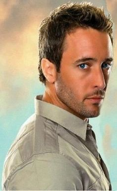 Alex O'Loughlin.