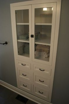 Love the built in storage idea. Doesn't take any floor space but allows for lots of storage.