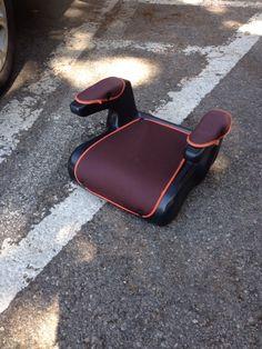 Groupe 2-315 a 36 kg. #Location réhausseur auto #Roquebrune-Cap-Martin (06190)_www.placedelaloc.com/location/equipements-auto/siege-auto