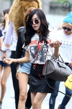 SNSD Tiffany Kpop Fashion 150821 2015 뮤직뱅크 출근길