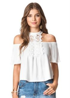 Blusa Manga Curta Branco Doce Trama - Doce Trama Daily Fashion, High Fashion, Womens Fashion, Western Tops, Designs For Dresses, Crop Top And Shorts, Casual Wear, New Dress, Trendy Outfits