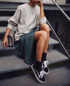 New Looks and Trends. 38 Trendy Fashion Trends That Always Look Fantastic – Modest Fall fashion arrivals. New Looks and Trends. Fashion Mode, Look Fashion, Street Fashion, Winter Fashion, Womens Fashion, Fashion Images, Fashion Ideas, Korean Fashion, 2000s Fashion