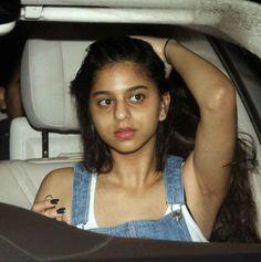 Shah Rukh Khan's Daughter Suhana Khan at Yash Raj Studio In Mumbai Bollywood Stars, Bollywood Photos, Bollywood Fashion, Beautiful Girl Indian, Most Beautiful Indian Actress, Beautiful Girl Image, Beauty Full Girl, Cute Beauty, Indian Bollywood Actress
