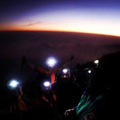 Sunrise 3726mdpl 05.30 #rinjani #mountain #lombok #hiking #trekking
