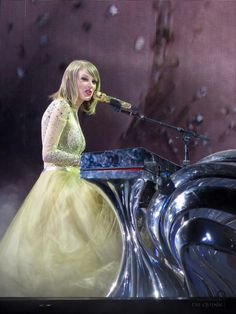 Enchanted & Wildest Dreams mashup // 1989 Tour: Cleveland