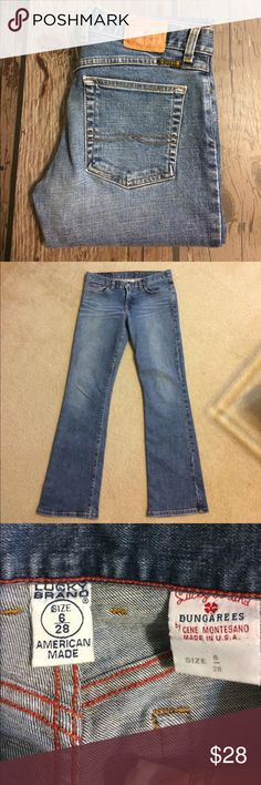 """Lucky Brand Jeans Gently worn. Size 6/28 Lucky Brand Zip Fly Boot Cut Jeans with 30"""" inseam. 96% cotton, 4% Lycra.  No rips, stains or tears. Non-smoking home. Lucky Brand Jeans Boot Cut"""