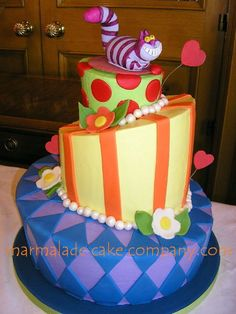 Alice In Wonderland Cheshire Cat Wedding Cake