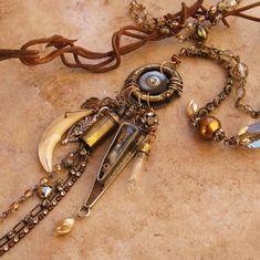 Talismans et pentacles.Amulettes.