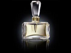 La reconocida marca de perfumes Norell New York lanzó al mercado una nueva fragancia: Norell New York by Baccarat Parfum.