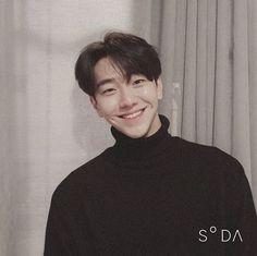 Asian Actors, Korean Actors, Pretty Boys, Cute Boys, Handsome Asian Men, Kdrama Actors, Korean Artist, Korean Celebrities, Asian Boys