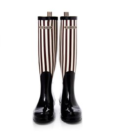 bendel girl stripe wellies - designer wellies - wellington boots for women Henri Bendel, Wellington Boot, Tips Belleza, Hunter Boots, Simple Style, Fashion Boots, Me Too Shoes, Rubber Rain Boots, Shoes