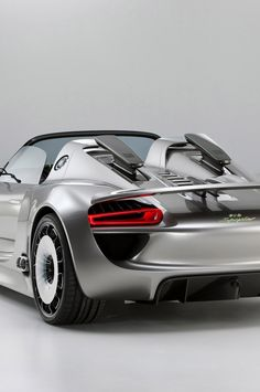 the revell 1 24 porsche 918 spyder model kit from the plastic car model kits. Black Bedroom Furniture Sets. Home Design Ideas