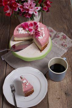 Cheesecake mit Himbeersahne