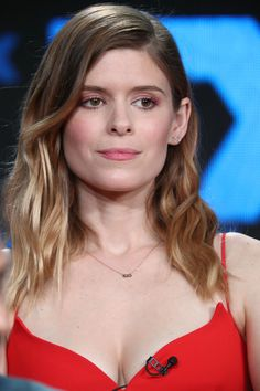 Kate Mara steps out in cleavage-baring jumpsuit at TCA press tour Beautiful Celebrities, Beautiful Actresses, Beautiful Women, Kate Mara Hot, Mara Sisters, Rooney Mara, Press Tour, Female Actresses, Kate Beckinsale