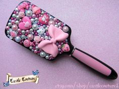 READY TO SHIP Decoden deco pink hair brush inc large bow, pearls and rhinestones. via Etsy. Paddle Brush, Pretty Room, Decoden, Polymer Clay Crafts, Hair Brush, Pink Hair, Hair Clips, Bling, Unique Jewelry