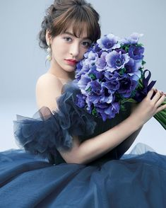 遠藤晶子さんが花嫁に贈る おしゃれブライズStyle | ウエディング | 25ans(ヴァンサンカン)オンライン Wedding Hair And Makeup, Wedding Hair Accessories, Bridal Hair, Hair Makeup, Wedding Images, Wedding Tips, Wedding Styles, Wedding Hair Inspiration, Chicago Wedding