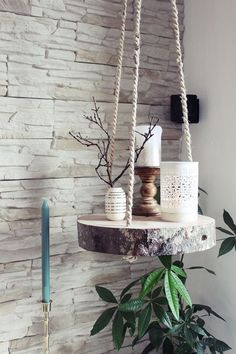 s & # Craft box: {DIY} tree slice hanging floor - Diyproje .- s & # Bastelbox: {DIY} Baumscheibe Hängeboden – Diyprojectgardens.club s & # Craft box: {DIY} tree slice hanging floor # craft box # tree slice # hang floor - Tree Slices, Wood Slices, Diy Hanging Shelves, Hanging Table, Diy Casa, Craft Box, Cute Diys, Diy Furniture, Repurposed Furniture