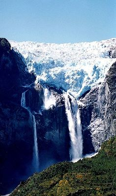 Parque Nacional Queulat, Región de Aisén, Chile   Flickr - Photo by Mono Andes