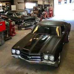 Out of all the car company's my dad worked for, Chevy was always my favorite. My dream classic car is 72 Chevelle in matte black with black Interior 🖤 😋 Autos Mercedes, Bmw Autos, Chevy Chevelle Ss, Chevy Pickups, Classic Chevy Trucks, Classic Cars, Chevy Muscle Cars, Chevrolet Malibu, Chevrolet Ss