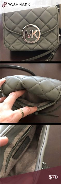 Michael Kors purse Michael Kors cross body purse used very little excellent condition purchased at Michael Kors smoke free home Michael Kors Bags Crossbody Bags