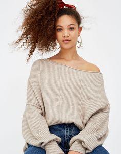 :Sweater com ombro descoberto