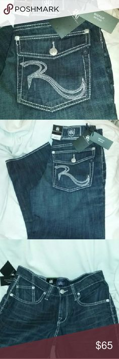 """Rock & Republic Jeans NWT $88 Mens 33 X 32 Brand new with tags (Kohls $88). Boot cut HENLEE, style name REBELLION. Dark wash.  Approx measurements laid flat: waist 16"""", inseam 31"""", width at bottom opening 9"""". Rock & Republic Jeans Bootcut"""
