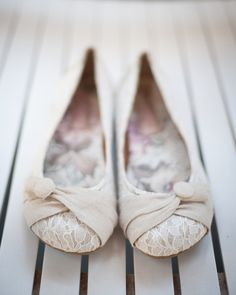 Adorable and comfortable #bridal shoes! {Bethany Snyder Photography}