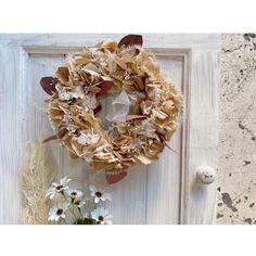 ベージュホワイトの紫陽花リース   ハンドメイドマーケット minne Burlap Wreath, Wreaths, Fall, Home Decor, Autumn, Door Wreaths, Deco Mesh Wreaths, Interior Design, Home Interior Design