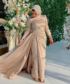 Hijab Dress Party, Hijab Evening Dress, Evening Dresses With Sleeves, Pretty Prom Dresses, Simple Dresses, Elegant Dresses, Fancy Dress Design, Hijab Fashion Inspiration, Dress Clothes For Women