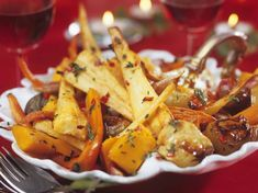 Accompagnement pour chapon farci Discover the recipe for the accompaniment of Stuffed Capon with Current Woman MAG Veggie Recipes, Snack Recipes, Smart Snacks, Xmas Food, Eat Smarter, Meal Planning, Side Dishes, Curry, Chicken