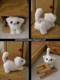 Patrón de Kitty amigurumi blanco por Denizmum en Etsy
