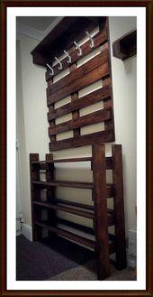 21 Trendy Shoe Storage Pallet Hallways #hallways #pallet #shoe #storage #trendy Rope Shelves, Wooden Shelves, Bed Furniture, Furniture Making, Woodworking Wood, Woodworking Projects, Shoe Storage Pallet, Shabby, Wood Working For Beginners
